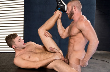 "Alexander Greene and Hunter Marx fuck each other in ""XXXposure"" part two"