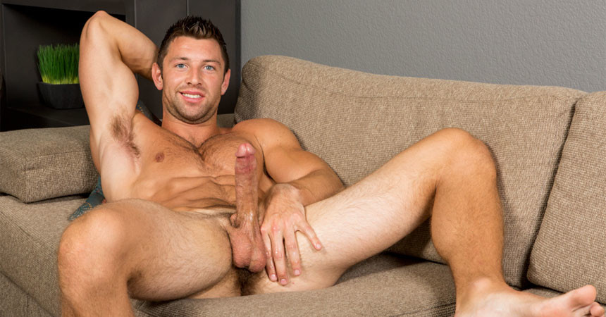 New Sean Cody hunk Shaw rubs out a delicious load