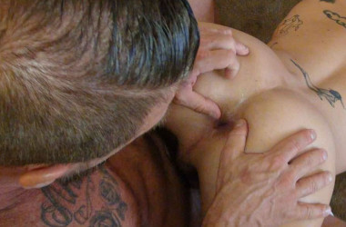 Rocco Steele breeds Lukas Cipriani's tight ass at Bareback That Hole