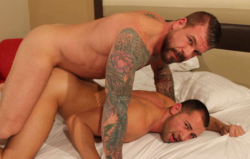 Rocco Steele raw-fucks Donnie Dean for Bareback That Hole