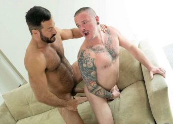 Max Cameron takes Vinnie Stefano's raw cock at Bareback That Hole