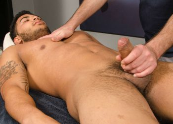 A nice handjob for straight jock Chewy at Spunk Worthy