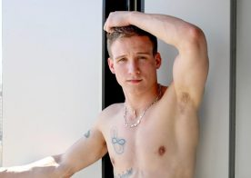Active Duty introduces handsome soldier boy Mike Hollister