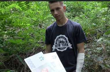 Cute straight boy Fillip goes gay for pay in Czech Hunter #266