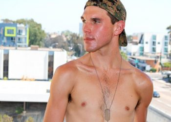 Hung stud Joshua Kelly gets naked and jerks off for Active Duty