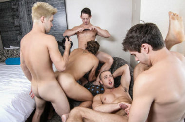 "Johnny Rapid, Will Braun, Brendan Phillips, Wesley Woods and Tobias in a big ""Pop Star"" orgy"