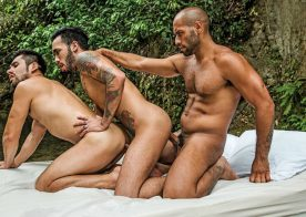Leo Forte, Derek Allan and Raymer in a bareback threeway from Lucas Entertainment
