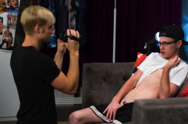 """Max Carter lends Oliver Nash a helping hand in this """"semi solo"""" from Helix Studios"""