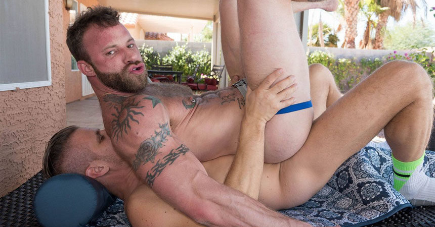 Tony Bishop fucks inked slut boy Derek Parker at Bareback Cum Pigs