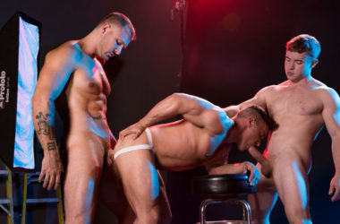 "Austin Wolf, Gabriel Cross & Alexander Volkov fuck in ""Depths of Focus"" part 1 from Hot House"