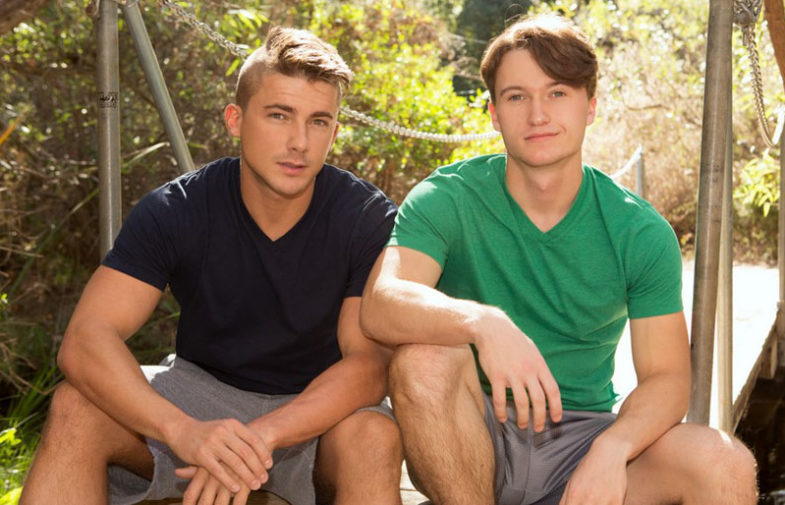 Big-dicked Darryl plows Porter's bare hole at Sean Cody