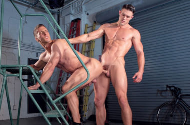 "Hung muscle top Ryan Rose fucks Rod Peterson in ""Urban Spokes"" part 1 from Falcon Studios"