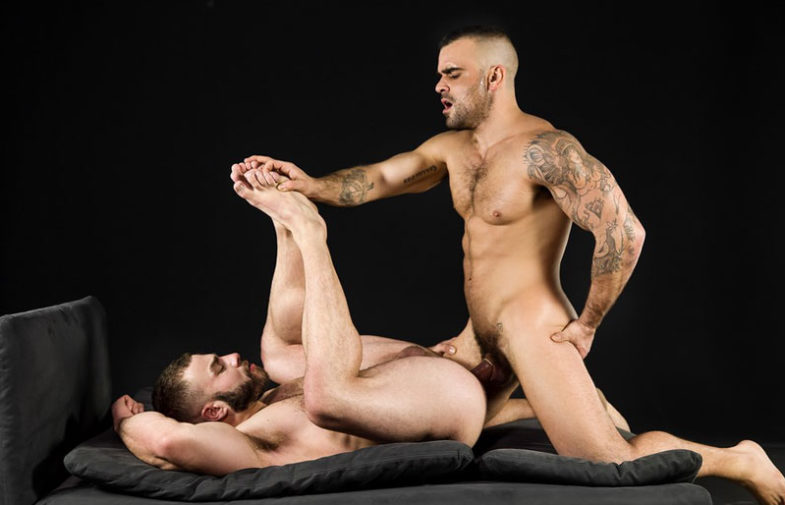 "Muscle stud Damien Crosse fucks Diego Reyes in ""At First Sight"" from Men.com"