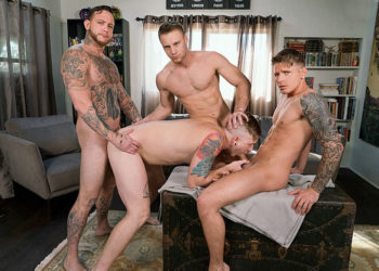 """Gunner Canon, Tom Faulk, Brandon Evans and Gage Unkut fuck in """"Raw Renters"""" from Bromo"""