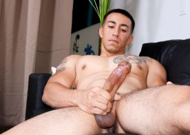 Hot new recruit Damon shoots a huge creamy load for Active Duty