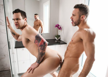 "Hot muscle top Manuel Skye fucks Beau Reed's bubble butt in ""Steam"" from Men.com"