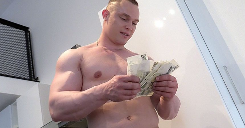 Beefy Czech guy goes gay for pay in Czech Hunter #301