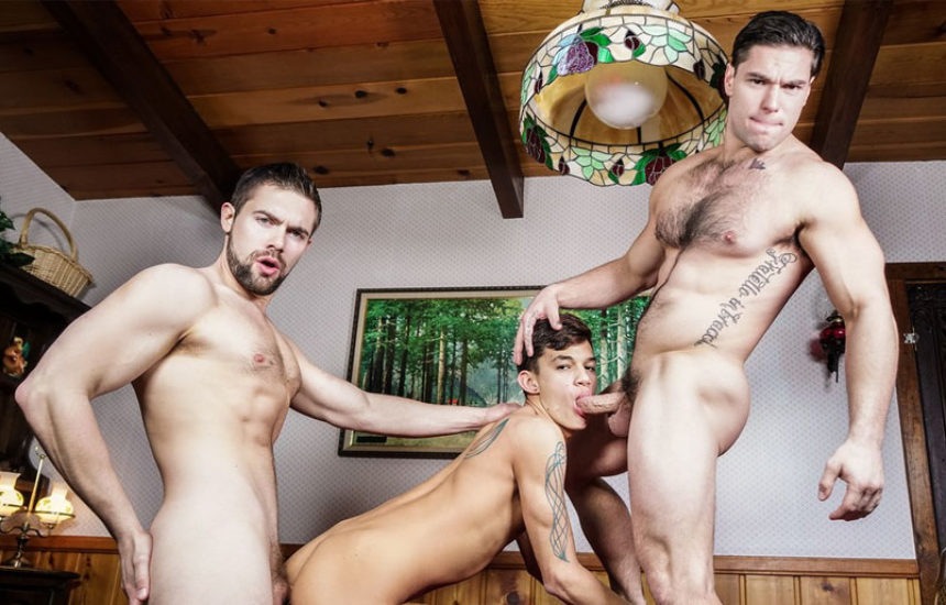 """Xander Brave, Griffin Barrows and Aspen fuck in """"Twink Peaks"""" part three"""