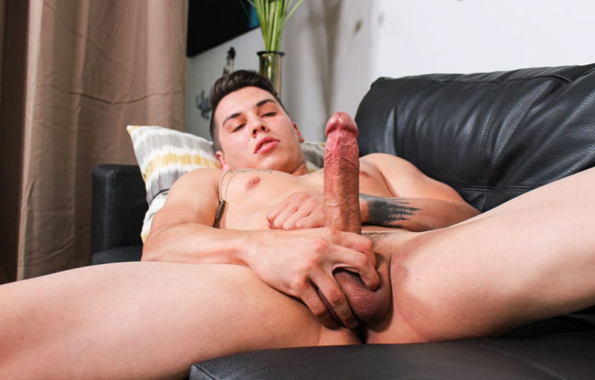 Newcomer Xavier Cross strokes his juicy uncut cock for Active Duty