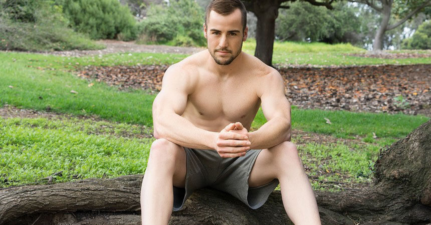 Hot and handsome muscle jock Tyson jerks off for Sean Cody
