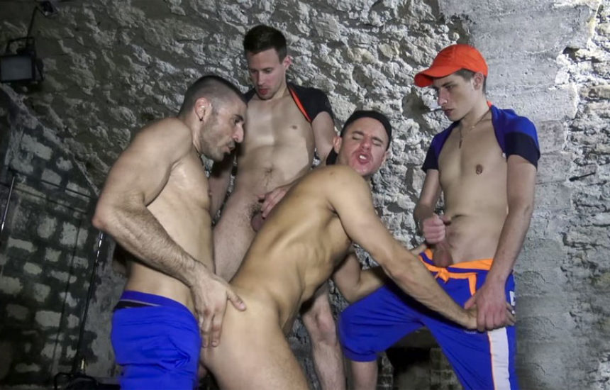 Devian hooks up with Philippe, Fabien and Max Toro for a bareback orgy