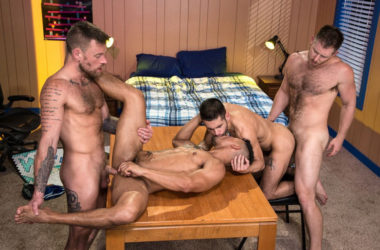 "Spencer Whitman, Xavier Hux, Hoytt Walker & Ty Mitchell fuck in ""Gaymers"" part 3"