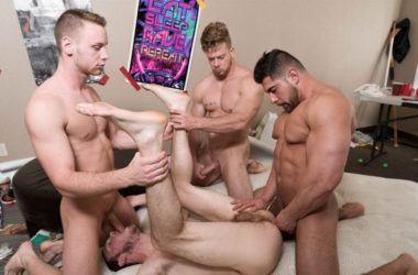 "Damien Stone, Brandon Evans, Ryan Sparks & Levi Logging fuck in ""Simon Says"" from Dick Dorm"