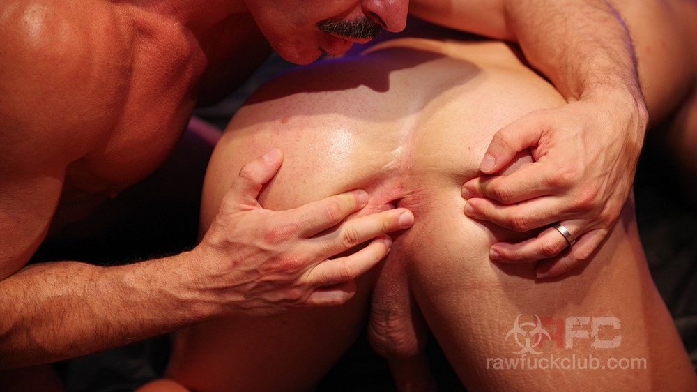 Gabriel lunna and julio rey in muscle fucked