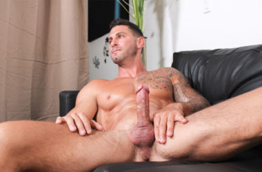 Muscular newcomer Jordan empties his balls at Active Duty