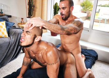Muscle hunks Damien Crosse and Louis Ricaute in a bareback flip-fuck scene