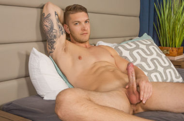 Handsome muscle jock Kasey beats his meat in his Sean Cody debut