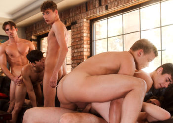Splash! Joey Mills gets double-penetrated in a six guy bareback orgy