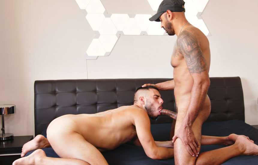 Francisco Sants fills Chucho Martin up with raw meat and fists his hole at TimTales