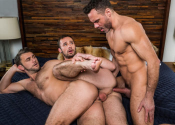 """Manuel Skye fucks with Blaze Austin and Drake Rogers in """"Servicing Daddy's Dick"""" part 1"""