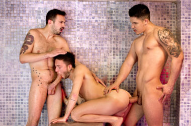 Hung tops Apolo Fire and Koldo Goran fuck Rico Fatale at Fuckermate