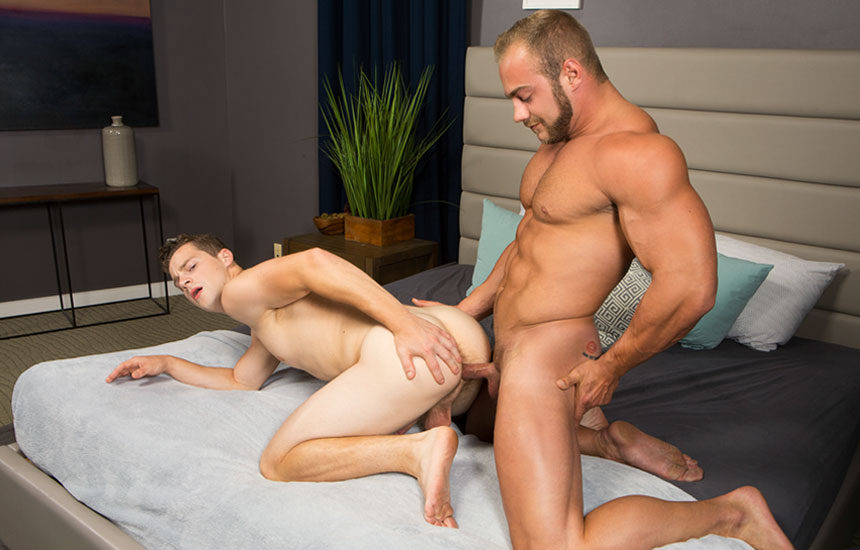 Muscle stud Brock fills Robbie up with raw meat in today's Sean Cody update