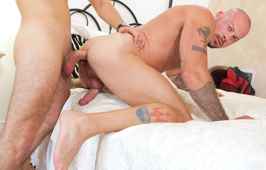 Sean Duran bottoms for Michael DelRay and takes his raw cock – Richard XXX