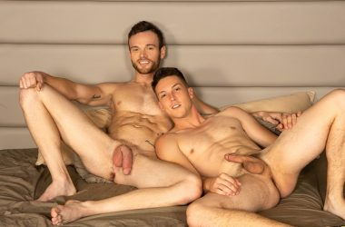 Big-dicked hunk Sean rims and fucks Cole's hole at Sean Cody