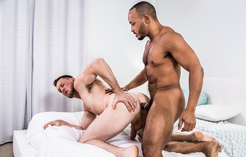 """Pierce Paris and Dillon Diaz suck and fuck each other in Noir Male's """"The Trade"""""""