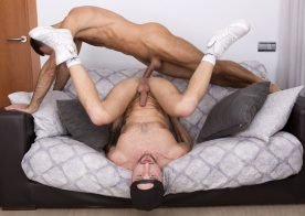 Drew Dixon bottoms for Vadim Romanov and takes his huge raw cock at Fuckermate