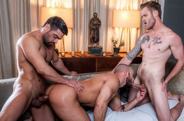 Shawn Reeve, Wagner Vittoria and Jessie Colter fuck in a Lucas Entertainment threesome