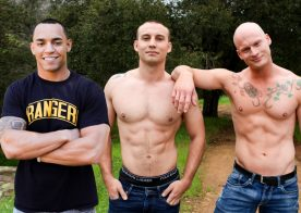 Roman Eros bottoms for Marc Montana and Xavier Reed jerks off