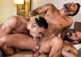 Andy Onassis, Andrea Suarez & J Anders in a bareback threeway from Lucas Entertainment