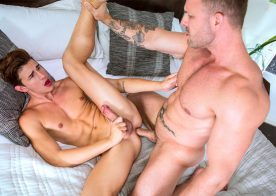 CockyBoys: Muscle daddy Austin Wolf dominates and fucks Küper