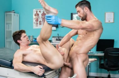"""Hot House: Ryan Rose pounds Devin Franco's bare ass in """"Dirty Doctor"""" part one"""