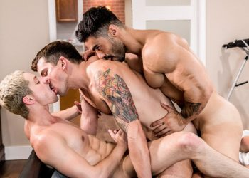 "Icon Male: Arad Winwin fucks Dakota Payne & Taylor Reign in ""Love Thy Neighbor"" (scene 4)"
