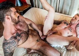 "Lucas Entertainment: Shawn Reeve takes Adam Killian's daddy cock in ""Extreme Assplay"" (sc 2)"