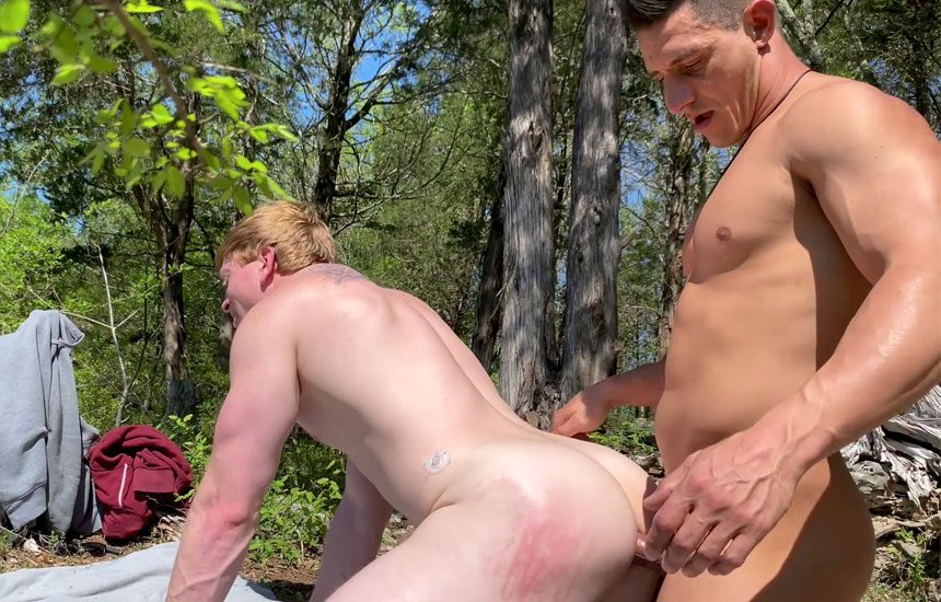 Next Door Studios: Kyle Connors and Jax Thirio fuck each other in a homemade video