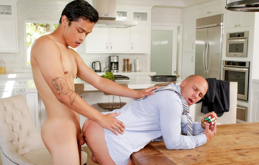 """Reality Dudes: Max Blairwood and Eli Hunter fuck each other in """"The Fuck Challenge"""""""