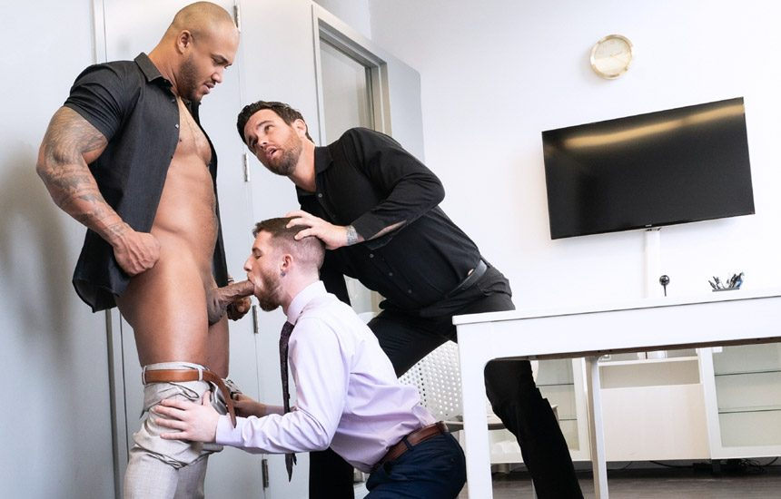 "Raging Stallion: Jason Vario, Beau Reed & Thyle Knoxx fuck in ""My Boss Is A Dick"" (scene 3)"